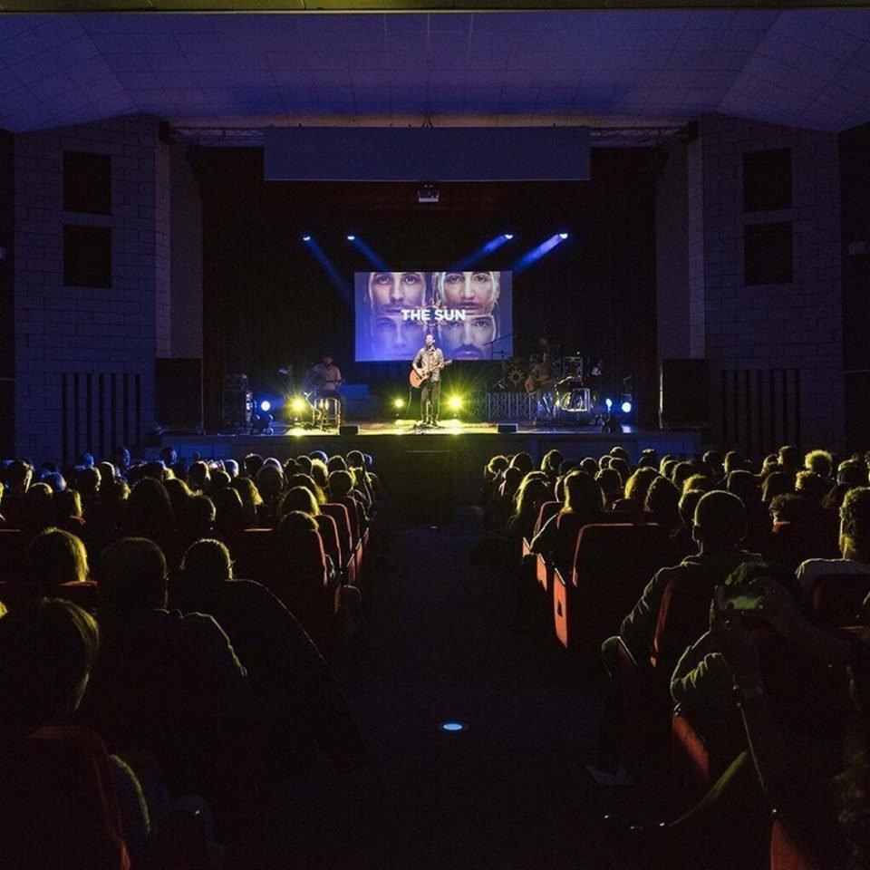 the-sun-rock-band-live-theater-francesco-lorenzi