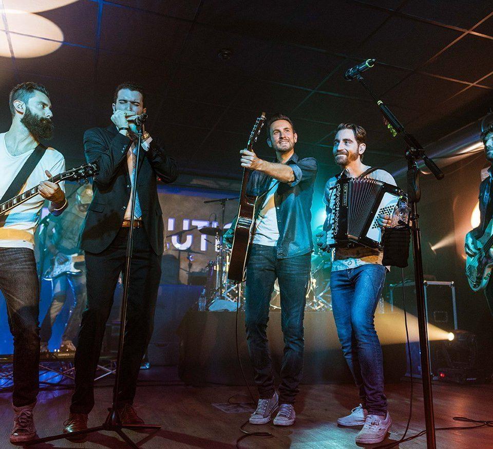 the-sun-rock-band-concert-live-19-anni