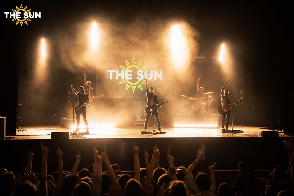 the sun rock band live roving